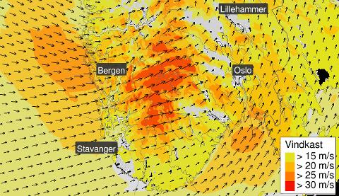 Jo rødere områdene er, jo sterkere blir vinden. Bildet er fra varselet fra Meteorologisk institutt onsdag kveld.