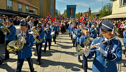VIL BLI FLERE: Det er alltid behov for flere musikanter i Guttemusikken. Bildet er fra 17. mai i år.