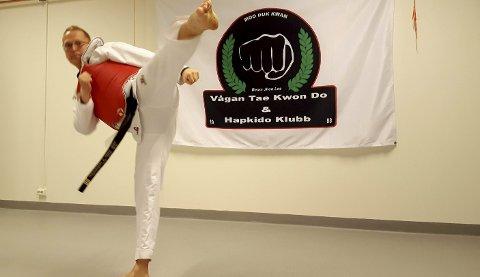 Får storfint besøk: Masterinstruktør i Vågan Taekwondo & Hapkido Klubb, Stig Arne J. Gundersen, gleder seg til helgas Arctic Taekwondo Games i Vaagar Idrettspark.Foto: Kristian Rothli