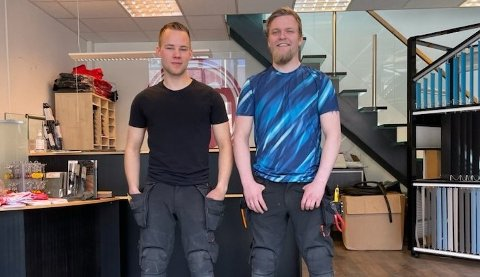 Robin Starheim og Tobias Finstad har tatt fagprøven i glassfaget.