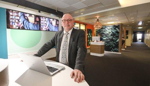 TA KONTAKT: Banksjef Even Jørgensen i DNB i Moss ber næringslivskunder være tidlig ute med å kontakte banken slik at man kan finne løsninger før koronaeffekten slår inn.