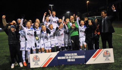 FK Gjøvik-Lyn kunne juble for KM-tittel etter 1-0-seier mot Storhamar.