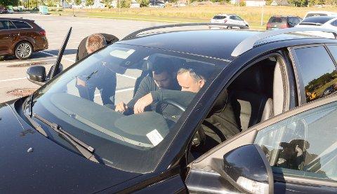 UNDERSØKTE: DAB-signalene i bilen min forsvinner innimellom. Tirsdag satte jeg eksperter på saken da Radiovogna besøkte Larvik.