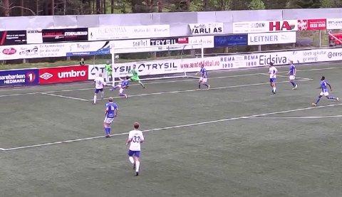 STORE SJANSER: Her skyter Kaimar Saag i tverliggeren. To ganger traff estlenderen treverket, men ballen ville ikke i mål for Nybergsund.
