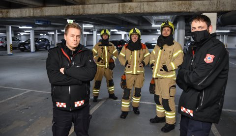 UNDER BAKKEN: Anders Øverby (fra venstre), Rune Bråten, Arne Lileng, Robert Paulsbyen og Johan Snartum i parkeringskjelleren på Kremmertorget.