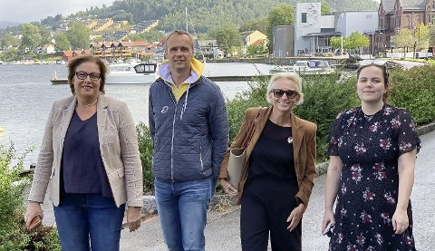 BRÅREAGERTE: Plutselig kom de fra alle fire regjeringspartiene, f.v. Anne Karin Alseth Hansen (H), Anders Rambekk (KrF), Kristin Clemmensen (V) og Stine Margrethe Knutsdatter Olsen (Frp).
