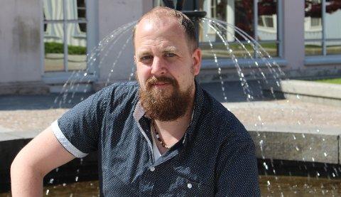 Kommuneoverlege Anders Mølmen leder vaksinasjonsprogrammet i Bamble med fast hånd. Denne uken skal bamblinger som er født på 1970-tallet begynne å få tilbud om vaksine.