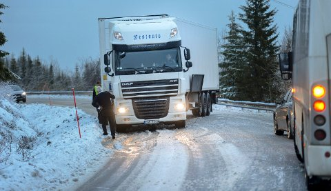 Et kjent problem er trailere som står fast i Bustneslia.