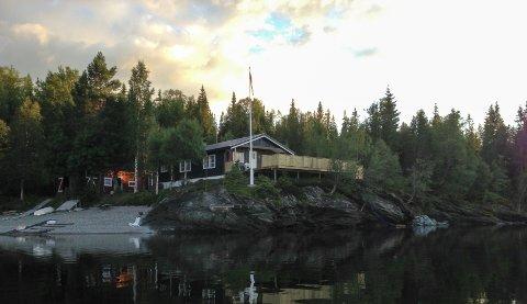 POPULÆRT: Å ha hytte ved Unkervatnet i Hattfjelldal kommune er populært. Ragnhild Haugen, jord- og arealbrukssjef i Hattfjelldal mener det er et pluss for kommunen å ha så mange hytter.