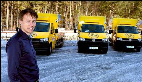 BYGGER OM BILER: Iseveien services  har spesialisert seg på ombygging av biler. - Siste år hadde vi 400 biler innom oss her på Bredmyra, sier daglig leder Erik Hagen.