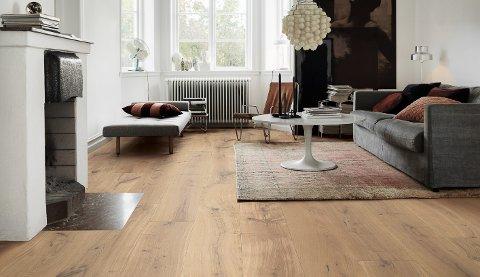 Lang og bred plank i eik er blant folkets favoritter på gulvet.