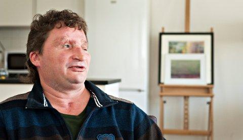 MARKERER DAGEN: 20 år har gått siden Bjørn Schau ble skutt og alvorlig skadet i skytetragedien på Heistadmoen og medsoldat Terje Gråberg ble drept. Hvert år markerer Bjørn Schau dagen.