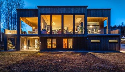 SOLGT: Boligen med adresse Kvernodden 21 er solgt til prisantydning på 8,5 millioner kroner. Det er ny prisrekord i Nome.