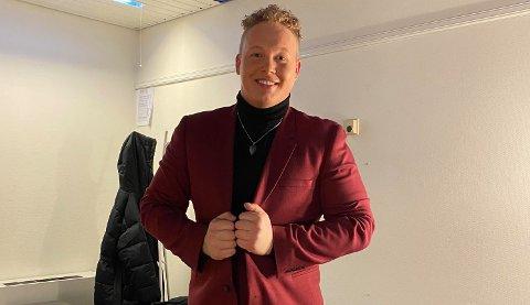 FORNØYD: Smørblid heddøl backstage. Kim Rune Hagen håper innsatsen hans i finalen ble et godt utstillingsvindu for ham som artist.