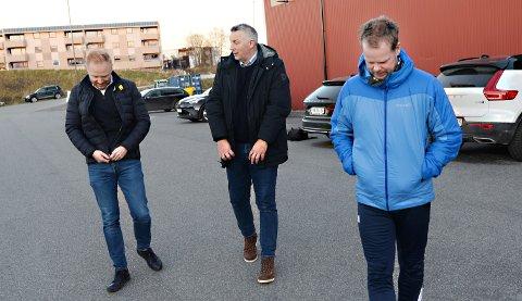 KBKs sportslige leder Terje Wiik (i midten) er spent på hvordan sesongen 2021 blir gjennomført. Her sammen med tidligere sportslig leder Kenneth André Leren og trener Christian Michelsen.