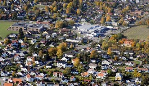 VET DU HVEM som hjalp en eldre mann som falt om på Meny i Åsgårdstrand denne uken?