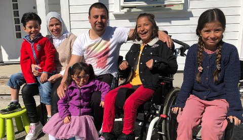 Ekteparet Chadia Jassem og Mahmoud Alhammod sammen med barna Jihad, Iman, Rimaz og Tasnim.