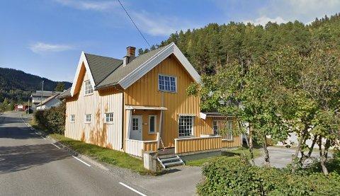 DYRESTE ENEBOLIG: Dette huset i Skrautvålsvegen på Fagernes ble nylig solgt for 3 millioner kroner.