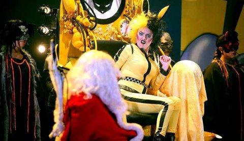 "Musikalen ""Jula varer helt til påske"" er et samarbeid mellom tre kulturhus i Asker-, Lier- og Sekkefabrikken kulturhus. Emilie Tverbak spiller påskeharen."