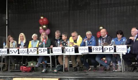 Fredag var fylkespolitikerne samlet til debatt i Lyngdal. Nå begynner resultatene fra fylkesvalget i Agder å bli klar.