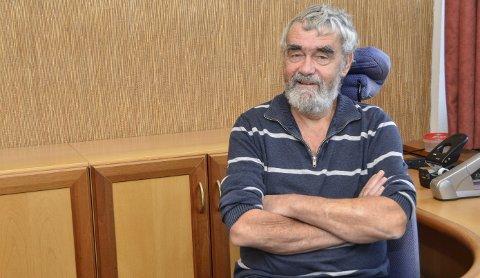 SISTE DAGEN: Gustav Kalager har før avgangen i kveld, ryddet både bordet og kontoret. Men han har de siste fire årene også gjort reint bord når ting er blitt vedtatt i kommunestyret.