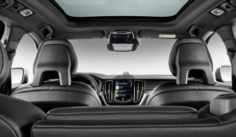 KAMERAER: Ett eller flere kameraer som overvåker fører og hva hun eller han foretar seg er på vei inn i Volvos biler.