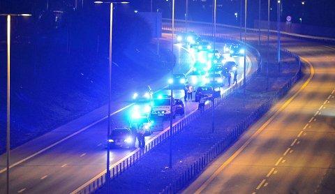 E18-KONTROLL: Politiet hadde natt til lørdag kontroll på E18 mot Drammen