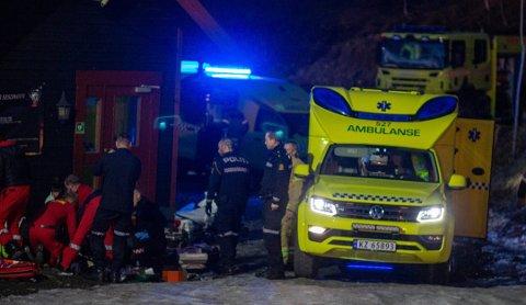 ULYKKE: Det var torsdag kveld at en snøscooter havnet i veggen på varmestua i Modum Skisenter.
