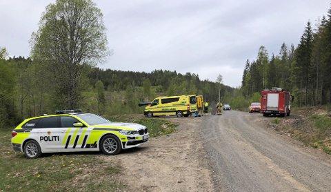Flere nødetater rykket ut etter meldingen om at en person hadde kjørt utfor en skråning.