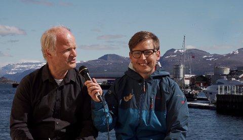 Svein Arild Vatsø intervjuar gründeren Svein Inge Fosse i Knutholmen.