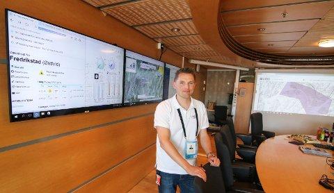 Operasjonsrommet: Marius A. Belstad er sikkerhetssjef under Tall Ships Races. I rådhuset har de beredskap hver dag fra klokken 08-22, og daglige møter.