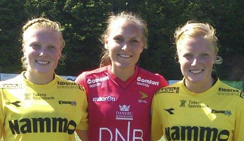 VANT: Silje Anette Hagen (i midten) fra Søndre Oppdalen holdt nullen mot sine gamle lagkamerater fra Roa, Guro (til venstre) og Stina Næss Berge. Foto: Privat
