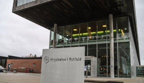 STORE ENDRINGER: Fem avdelinger ved Høgskolen i Østfold skal bli til tre fakultet. – En helt nødvendig omorganisering, mener rektor Lars-Petter Jelsness-Jørgensen.
