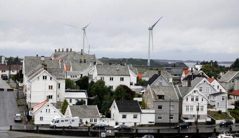 «URBAN VINDKRAFT»: I løpet av de neste par ukene blir de store vindturbinene på Storøy satt i drift.