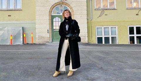 Hanna Krogh-Reinsnes sier at hun elsker bygget som nå blir hennes arbeidsplass.