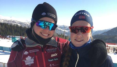 Drangedalsløperne Guro Seline Herfoss (t.v.) og Andrine Håstul Flom leverte gode resultater på Voss (Foto: Privat)
