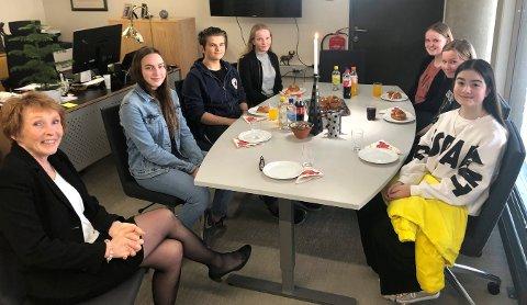 KLIMAMØTE: Ordfører Kari Anne Sand syntes det var nyttig å møte elvene fra Skrim, Tislegård og Vestsiden i forrige uke.