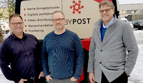 POSTMILLIONÆRER: Byposteierne realiserte store gevinster da de solgte seg ned tidligere i år. Fra venstre Øystein Isaksen, Frode Berby og Geir Olav Lia.