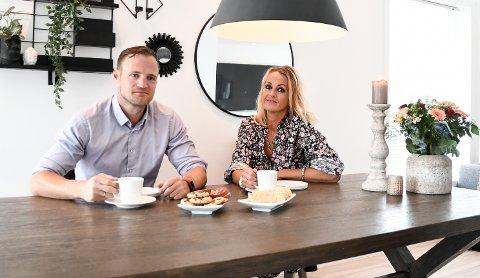 VIL TAKKE: Siri Kitt Strekerud og Pelle Nævestad er takknemlig for alle hilsener og støtte de har mottatt etter Ulla Nævestads bortgang.