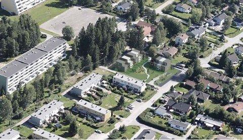NYBROTTVEIEN 23: Fugleperspektiv av planlagt ny bebyggelse, vist på flyfoto hentet fra kommunens kartportal.