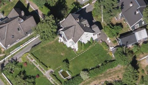 Det er flere eiendommer på Nordstrand som er solgt for over 15 millioner den siste måneden. Her er en villa i Seterhøyveien som ble solgt for 19 300 000 kroner. Flyfoto: 1881.