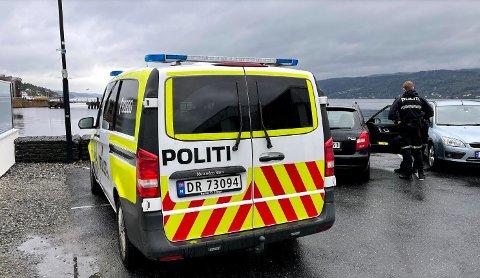 RYKKET UT: Det ble full utrykning til Drøbak torsdag, etter melding om at en person hadde lagt på svøm fra gjestehavna.