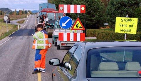 NÅ STARTER ASFALTERINGEN: Statens vegvesen skal asfaltere europa- og riksvegnettet i Hedmark i sommer. Illustrasjonsfoto: Kjetil Brorson Dahl