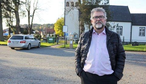 SALMERESTRIKSJON: Kirkesjef Sørhaug har fått skrivet.