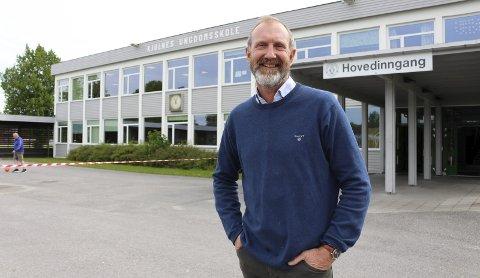 REKTOR: – Vi skal ikke tilbake til 100 prosent fysisk skole, sier rektor på Kjølnes. Hjemmeundervisning har hatt noen slagsider, men det er mye rektoren vil ta med videre.