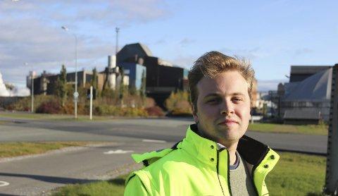 Sats på unge: Etter å ha studert i Melbourne, Aarhus og Shanghai hadde ikke Jeppe Strømseng noen planer om å havne i industrien i Rana, men nå er han her. Strømseng ber om at de unge blir satset på. Foto: Privat