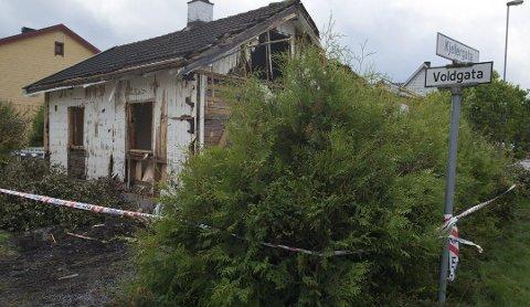 ÅSTEDET: Kvinnen ble dratt inn i dette forlatte huset og voldtatt. Huset er i dag revet.
