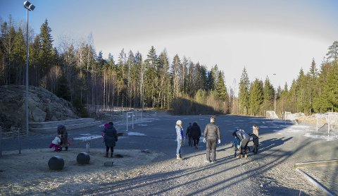 Skal utbedres: Med bidrag på 350 000 kroner fra Sparebankstiftelsen DNB skal det bygges nytt nærmiljøanlegg ved Frydenlund skole. Arkivfoto.