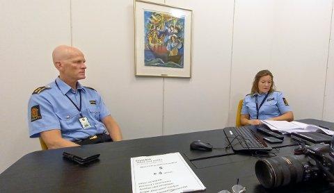 Seksjonsleder Bjørn Søyland ved forebyggende patrulje sammen med Siri Fisketjøn Indrebø.  Hun er driftsenhetsleder for Jæren, Sandnes og Dalane.