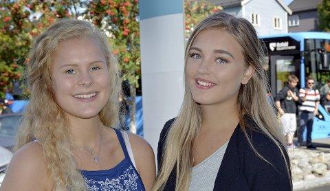 IKKE FORNØYD: Annie Sofie Krog Skogstad og Nadia Dahl Krog er lite fornøyd med skolebusstilbudet.